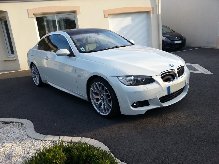 troc echange bmw 330d coup e92 pack m blanc alpinweiss 3. Black Bedroom Furniture Sets. Home Design Ideas